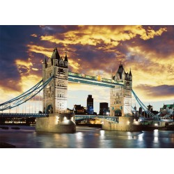 Puzzle Tower Bridge  v noci